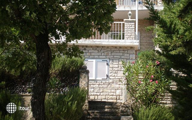Villa Lidia 2