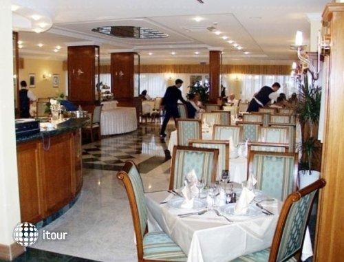 Laurentum Hotel 10