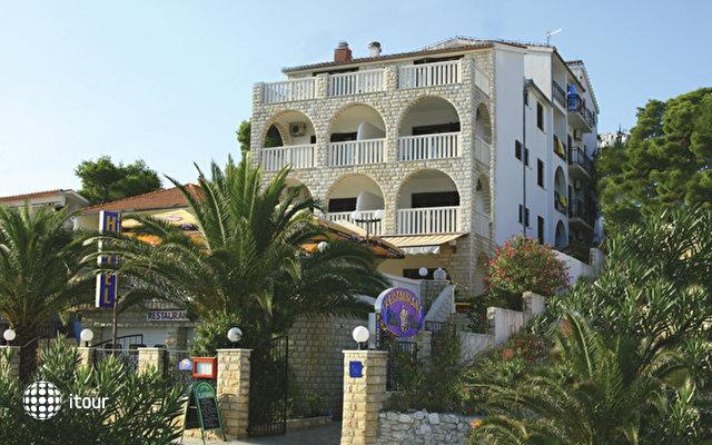 Hotel Vila Tina 1