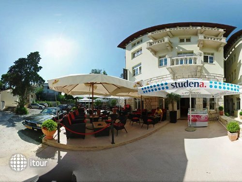 Arbiana Hotel 2