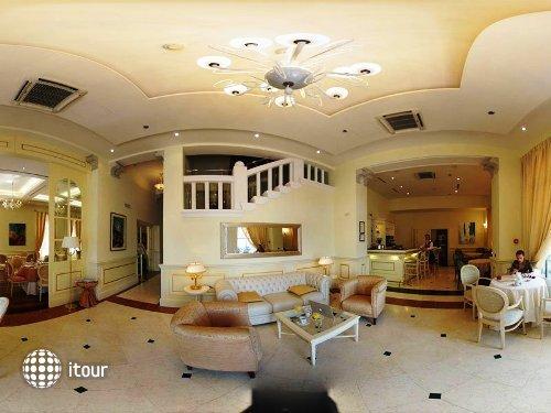 Arbiana Hotel 9