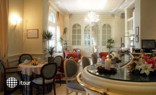 Arbiana Hotel 10