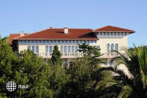 Arbiana Hotel 1