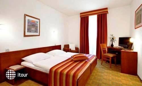 Best Western Hotel Stella 5