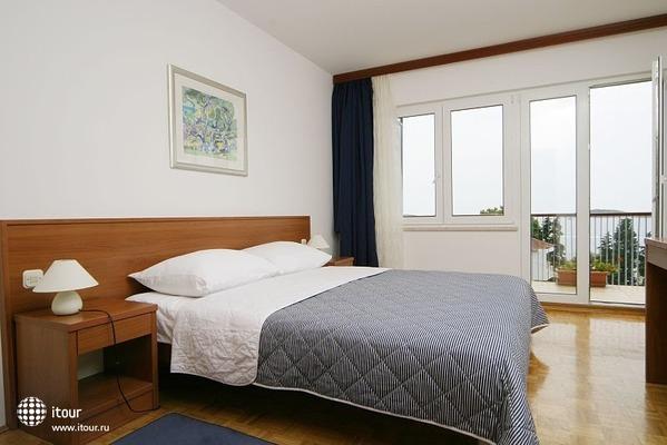 Aparthotel Pharia 1