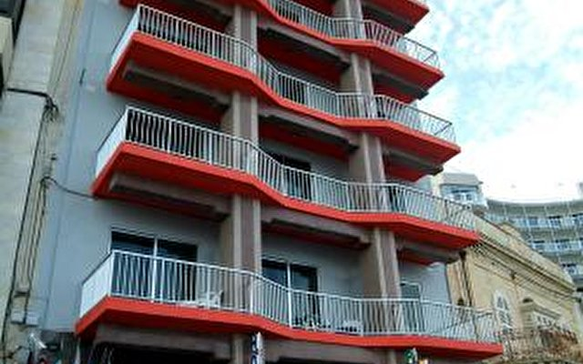 Sliema Chalet Hotel 3