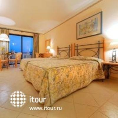 Corinthia Marina Hotel 4