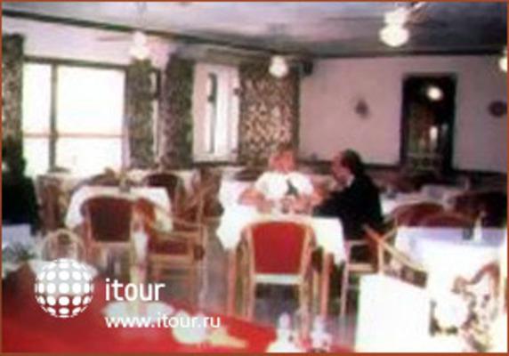 International Club Hotel 3
