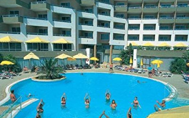 Dolmen Resort 1