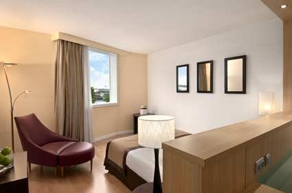 Hilton Paris Orly Airport 7