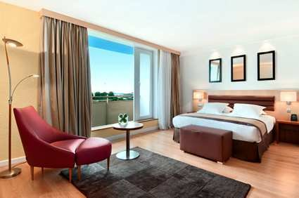Hilton Paris Orly Airport 6