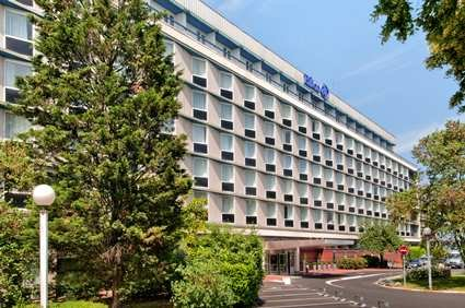 Hilton Paris Orly Airport 1
