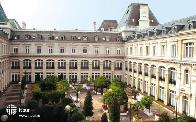 Crowne Plaza Paris Republique (ex. Holiday Inn Republique) 4
