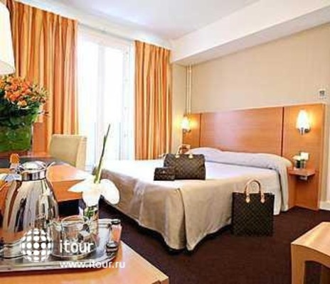 Holiday Inn Garden Court Auteuil 10