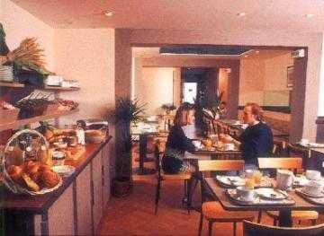Comfort Inn Mouffetard 2