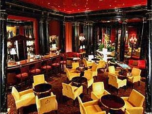 Louvre Hotel 17
