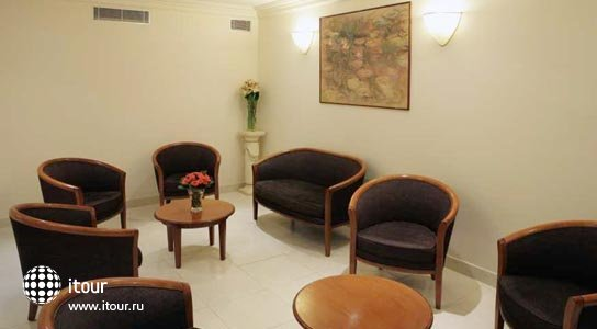 121 Paris Hotel 3