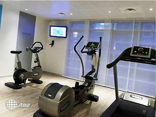 Suite Novotel Paris Porte De La Chapelle Hotel 9