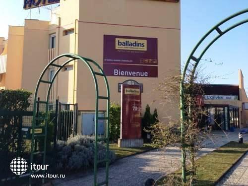 Balladins St Ouen L'aumone Superior 9