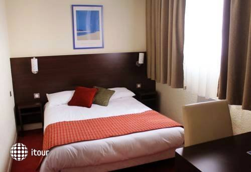 Comfort Hotel Orly Draveil 3