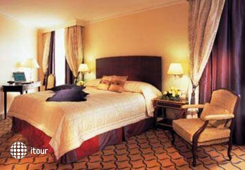 Renaissance Paris La Defense Hotel 1
