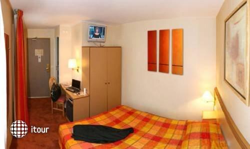 Comfort Hotel Mouffetard 8