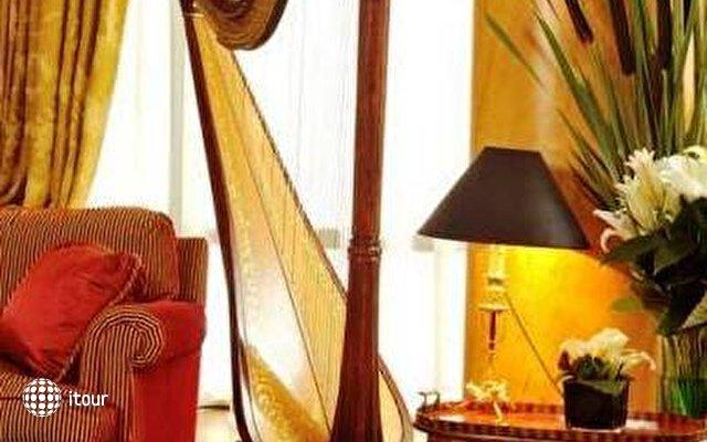 Hotel De Vigny 4