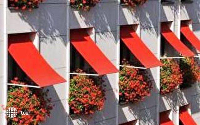 Hotel De Vigny 5