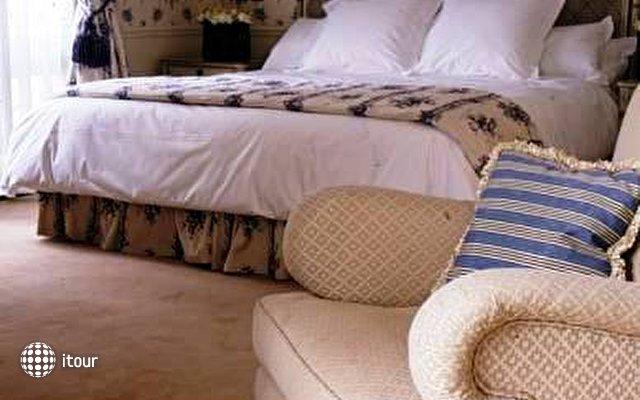 Hotel De Vigny 9
