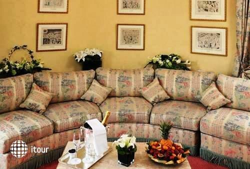 Hotel De Vigny 2