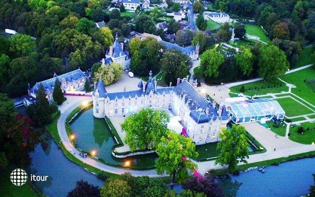 Chateau D`esclimont 1