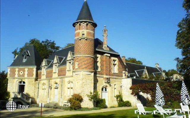 Chateau D`esclimont 6