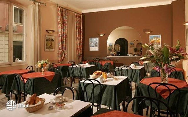Hotel Des Flandres 2
