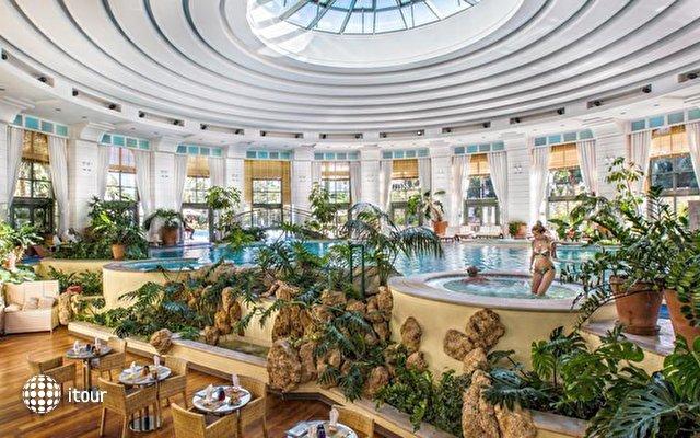 Monte Carlo Bay Hotel & Resort 9
