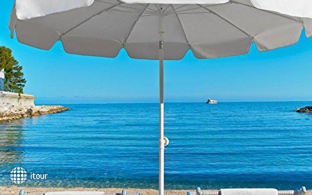 Le Meridien Beach Plaza 9