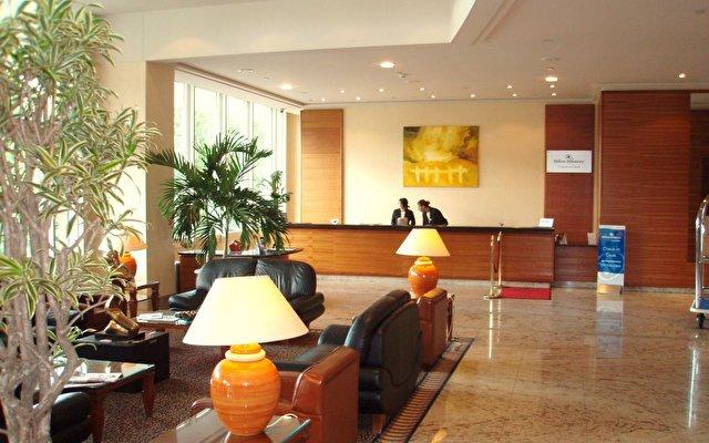 Hilton Lyon 2