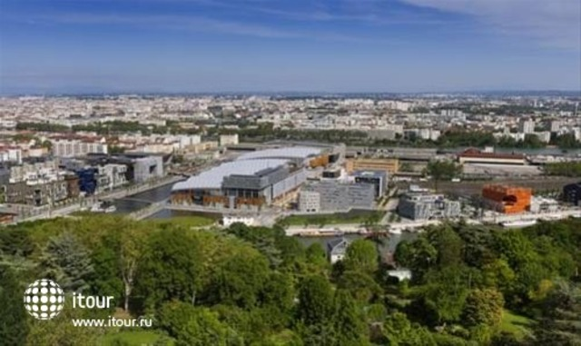 Novotel Lyon Confluence 8