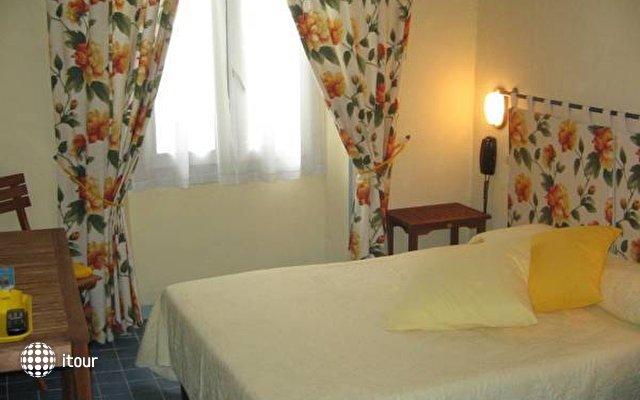 1 Med Hotel 3