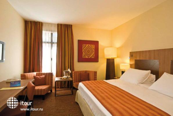 Hotel Radisson Blu Marseille Vieux Port 5