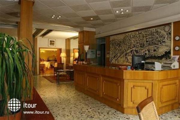 Grand Hotel Raymond Iv 3