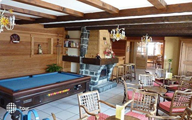 Chalet Hotel Alpina 10