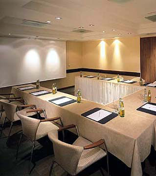 Dom Hotel Koln Le Meridien Hotel 8