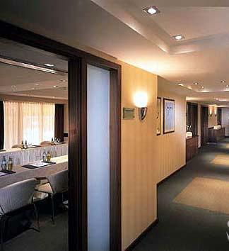 Dom Hotel Koln Le Meridien Hotel 9