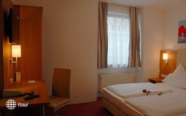 Domblick Hotel 4