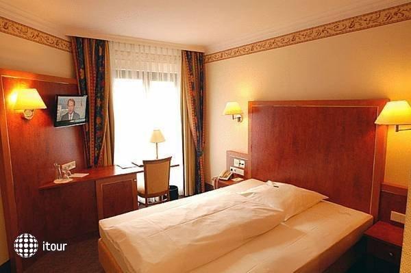 Hotel Concorde 4