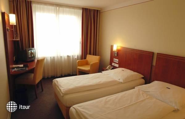 Hotel Concorde 5