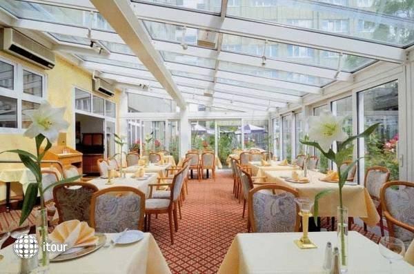 Best Western Delta Park Hotel 4
