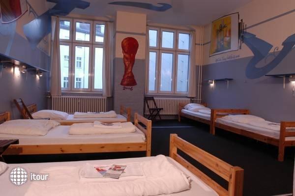 Baxpax Kreuzberg Hostel 1