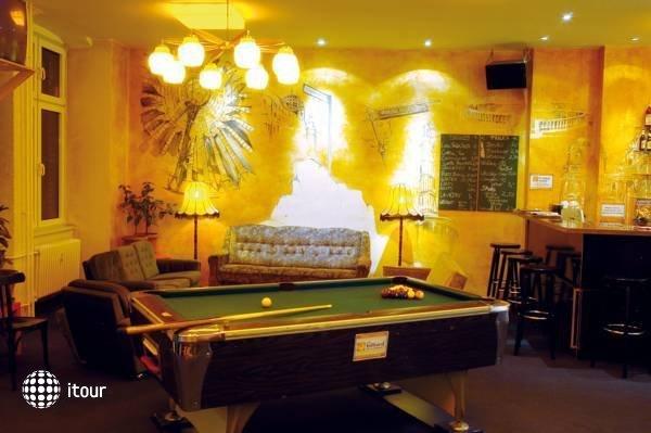 Baxpax Kreuzberg Hostel 5