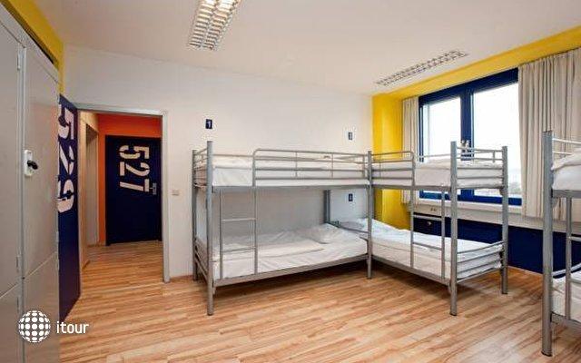 Generator Hostel Berlin 4